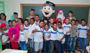 Militares iluminam o Natal de crianças carentes de escola municipal