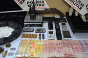 PM realiza operação de mandados de prisão, busca e apreensão em Araxá