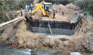 Nova ponte sobre o Córrego Pirapitinga está sendo construída