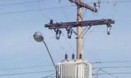Motorista é eletrocutado após derrubar postes em via pública