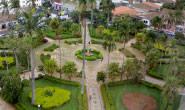 PM flagra usuários de drogas na praça Governador Valadares