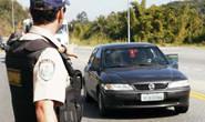 Condutor e passageiros fogem de abordagem da Polícia Rodoviária