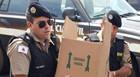 Dois homens são presos com 47 kg de material de campanha