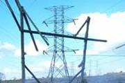 Queimada provoca interrupções no fornecimento de energia elétrica