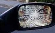 Embriagado danifica veículo estacionado em via pública