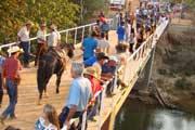 Aracely presente na inauguração da Ponte da Amizade sobre o Rio Samburá