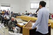 Romário apresenta denúncias político-administrativas e pede cassação de Jeová