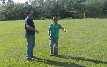 Assessor de Esportes vistoria campos que vão receber jogos do Ruralão 2015