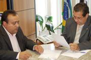 Ministro recebe Sinplalto e promete visita a Araxá em fevereiro