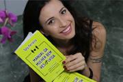 """Araxaense lança livro """"Manual da Mulher Bem Resolvida"""""""