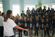 Maestrina e Pianista Maria Teresa R. Rios e Coral Vozes do Amanhã realizaram grande espetáculo