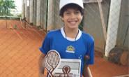 Tenista araxaense é campeão em Uberlândia