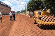 Vias de terra do bairro Dona Beja serão asfaltadas