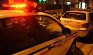Mulher agredida pelo filho chama a polícia, mas não é encontrada em casa