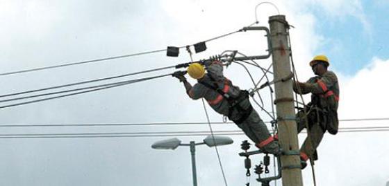 Cemig realiza melhorias na rede de várias ruas da área central