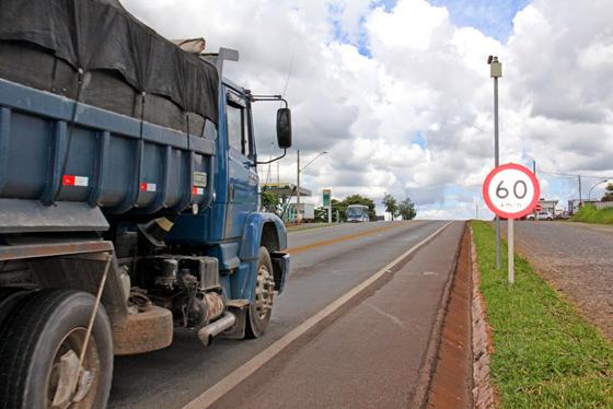 DER restringe tráfego de veículos de carga no feriado