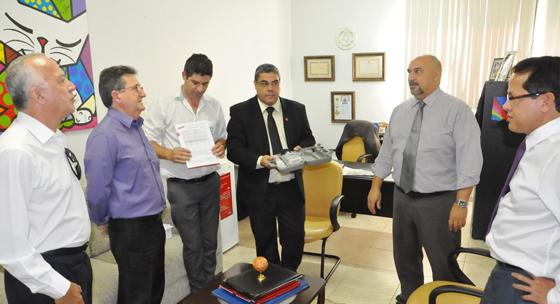 Consep doa decibelímetro para a Prefeitura de Araxá