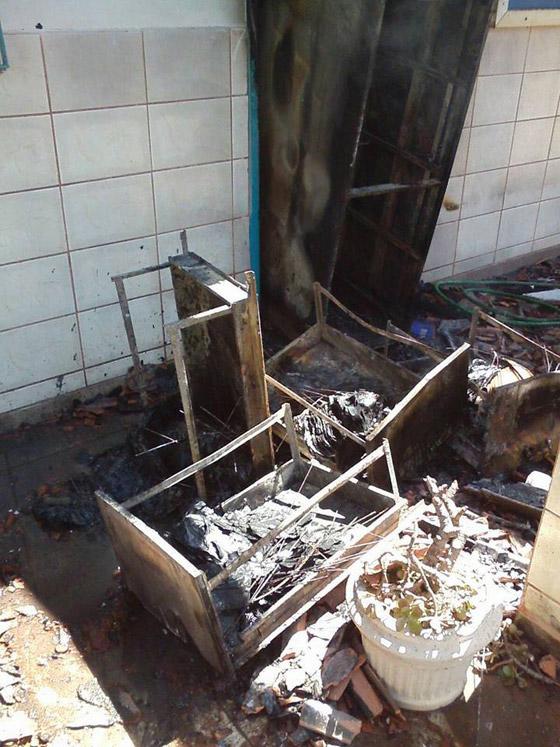 Incêndio criminoso na Escola Municipal Manoela Lemos