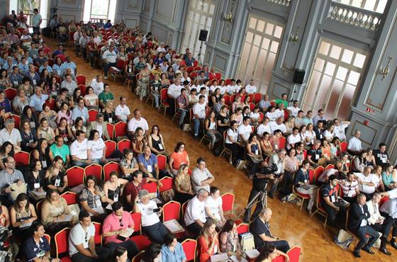 Araxá presente no Congresso da Federaminas em Poços de Caldas