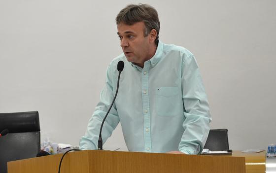 Mauro Chaves demonstra indignação contra a manipulação política