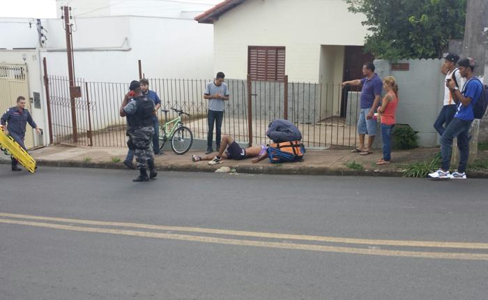 Corpo de Bombeiros atende vítima em acidente de bicicleta