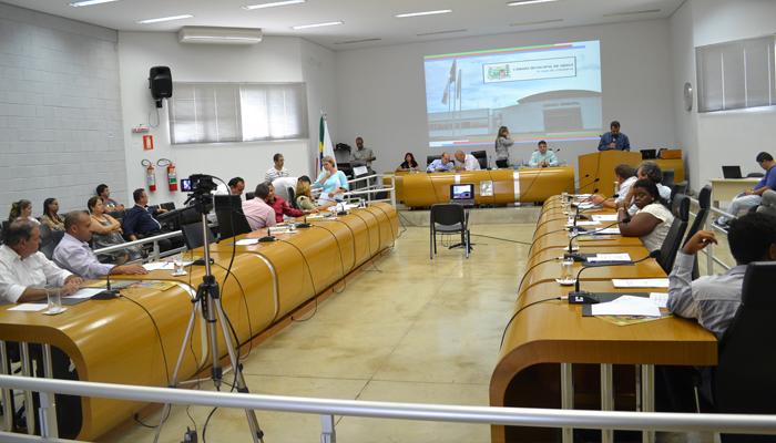 Vereadores aprovam a criação de 13 cargos comissionados