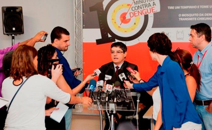 """""""10 Minutos Contra a Dengue"""" – No combate ao Aedes aegypti"""