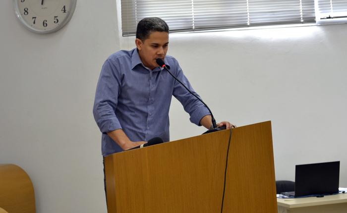Farley cobra medidas para implantação da UFTM em Araxá