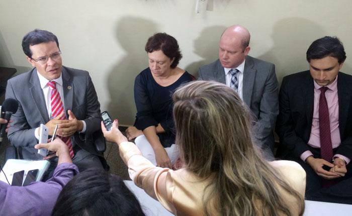 Polícia Civil e MP falam sobre investigações que apontam irregularidades no repasse de verbas para entidades