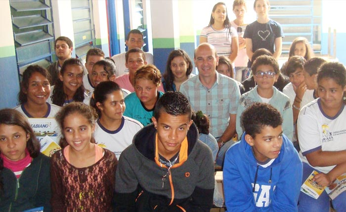 Vereador Fabiano ministra palestra aos alunos da Escola José Bento, na Boca da Mata