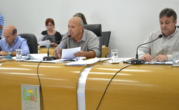 Vereadores aprovam fim da reeleição para presidência na Câmara Municipal