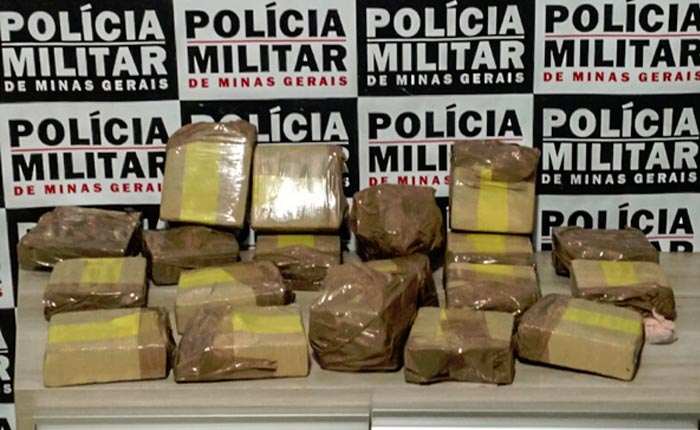 Polícia Militar prende casal com 19 tabletes de maconha em casa