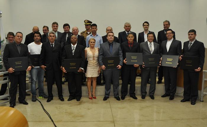 Câmara Municipal promove entrega do Título de Cidadania Honorária