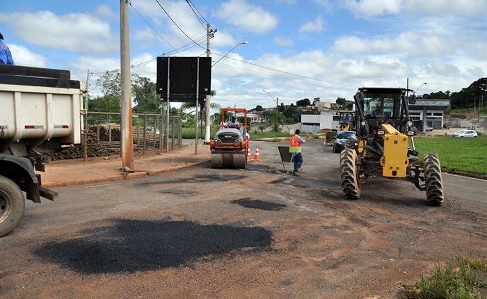 Prefeitura inicia operação tapa buracos na av. João Paulo II