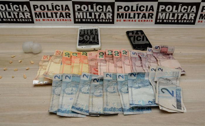 Polícia Militar prende mulher com drogas e dinheiro no Santa Mônica