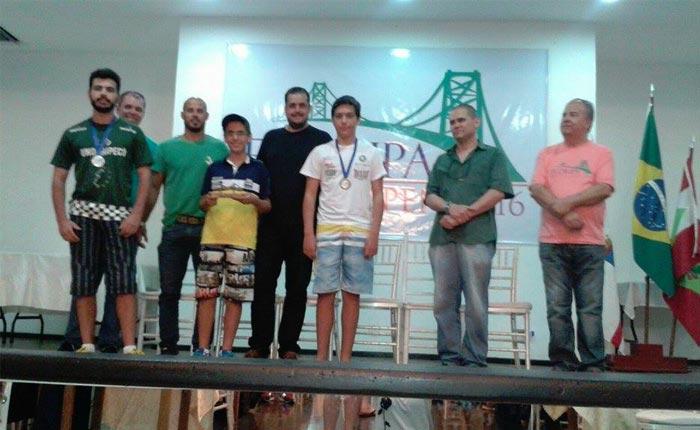Enxadrista Vítor Amorim conquista dois troféus no Floripa Chess Open 2016