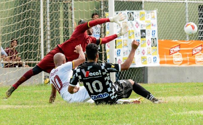 Araxá Esporte perde por 1 a 0 em Patrocínio