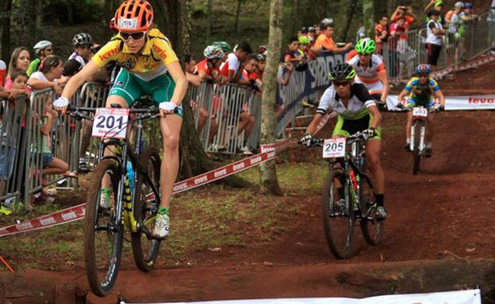 Presença de grandes atletas deixa disputa acirrada na Elite feminina em Araxá