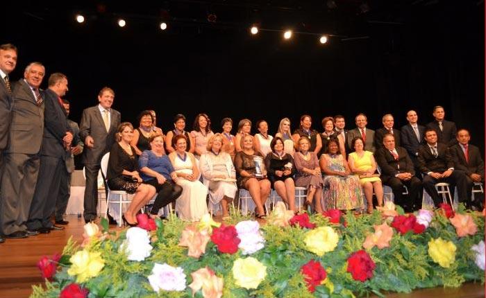 Câmara Municipal apresenta a lista das homenageadas que receberão a Medalha Leonilda Montandon