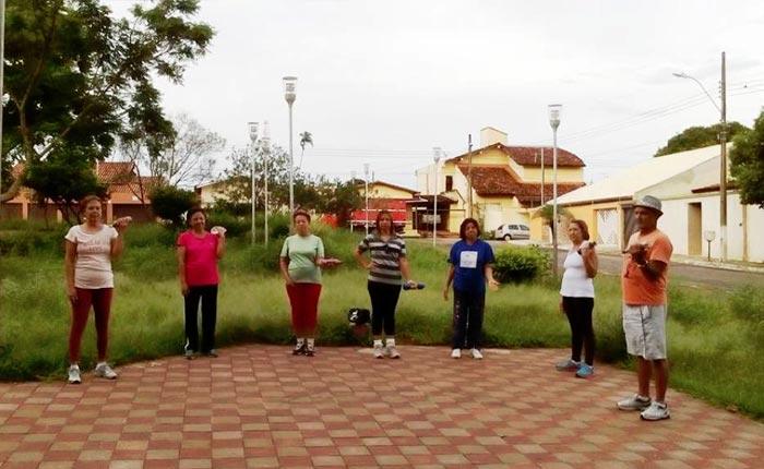 Prefeitura promove grupos de alongamento e treinamento físico funcional