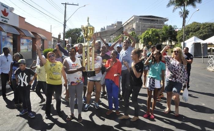 Escola Unidos do Morro vence o Carnaval de Araxá