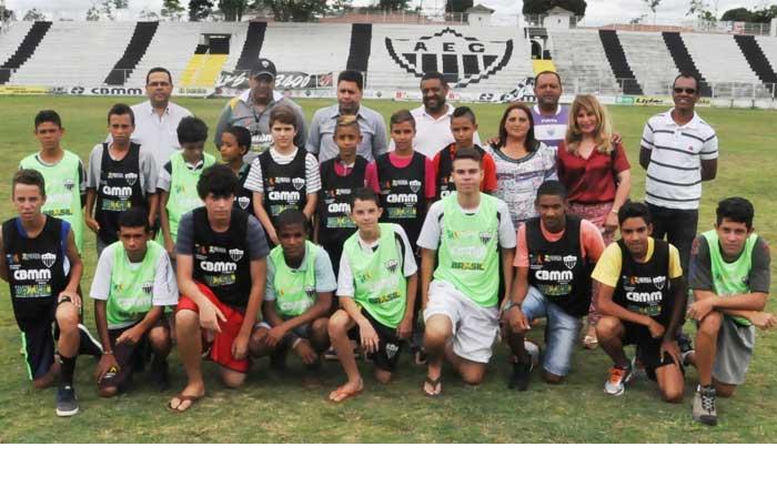 Araxá Esporte realiza o projeto 'Bom de Bola, Bom na Escola'
