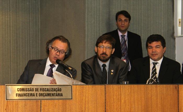 Deputado Bosco vota pela valorização das carreiras do Judiciário