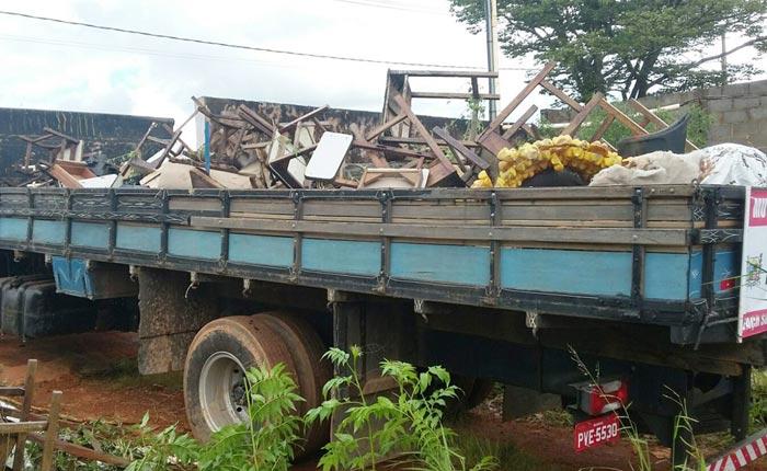 Secretaria Municipal de Saúde faz coleta de materiais inutilizados que possam acumular água