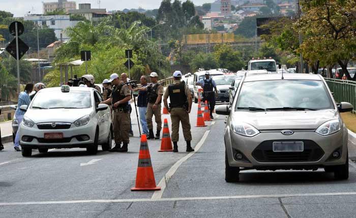 Polícia Militar Rodoviária dá orientações para quem vai pegar estrada na Semana Santa