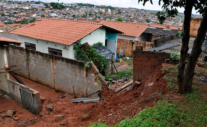 Prefeitura acompanha situação no bairro Cincinato de Ávila