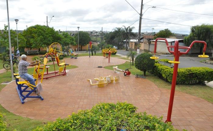 Prefeitura investe mais de R$ 1,5 milhão para revitalizar as praças da cidade