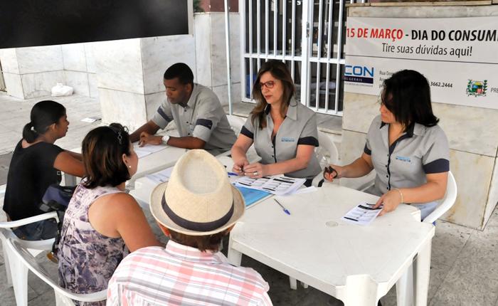 Procon faz atendimento especial no Calçadão no Dia do Consumidor