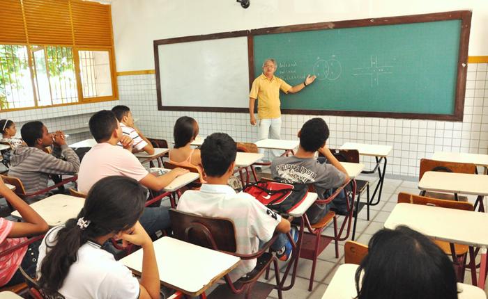 Governo de Minas Gerais nomeia mais 2.500 professores para a rede estadual de ensino