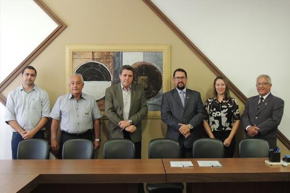 Uniaraxá, Fundação Cultural de Araxá e 33ª Subseção da OAB/MG assinam convênio